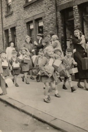 Evacuation of Gateshead School Children 1939 courtesy Gateshead Libraries