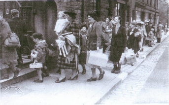 Guernsey children and teachers arrive July 1940 in Disley Cheshire