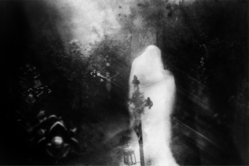 Ghost-Stories-The-Woman-In-White-Who-Stands-In-The-Graveyard